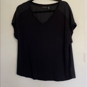 Tahari L black top